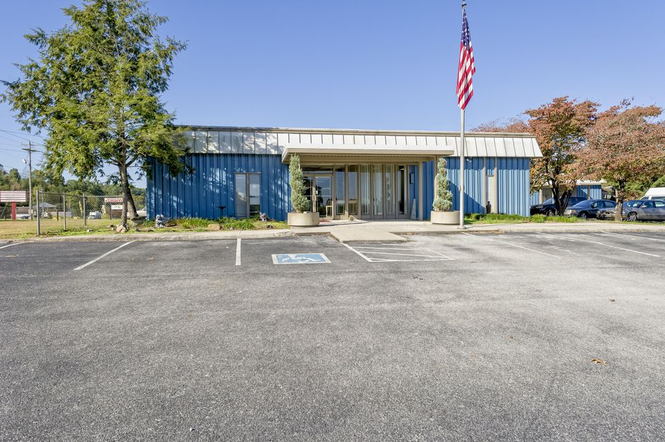 Commercial for Sale at 2425 N Gateway Avenue 2425 N Gateway Avenue Rockwood, Tennessee 37854 United States