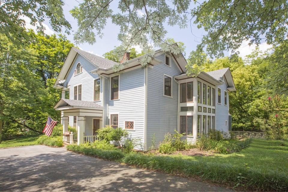 Maison unifamiliale pour l Vente à 115 Old Orchard Drive Greeneville, Tennessee 37743 États-Unis