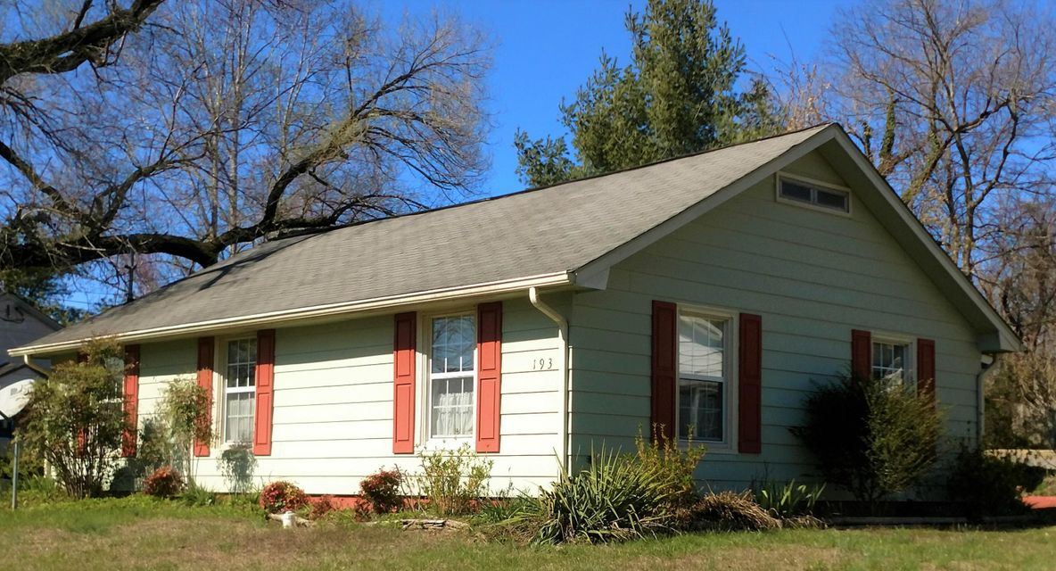 Single Family Home for Sale at 193 Oak Road Norris, Tennessee 37828 United States