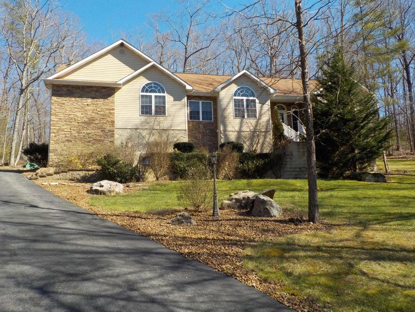 Частный односемейный дом для того Продажа на 28 Pinehurst Court 28 Pinehurst Court Crossville, Теннесси 38558 Соединенные Штаты