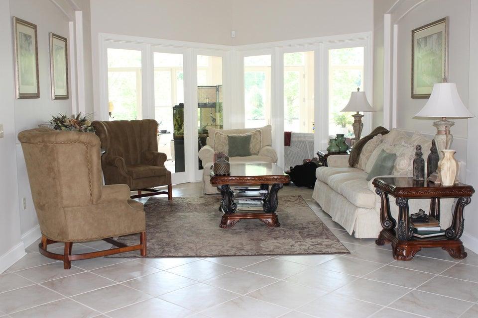 Additional photo for property listing at 204 Sailview Lane 204 Sailview Lane Clinton, 田纳西州 37716 美国