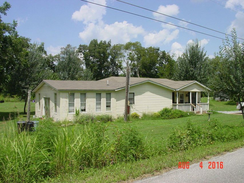 Single Family Home for Sale at 1522 S Old Tellico Hwy 1522 S Old Tellico Hwy Madisonville, Tennessee 37354 United States