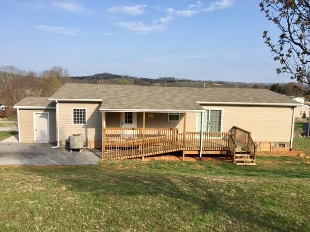 Single Family Home for Sale at 343 Lories Lane Piney Flats, Tennessee 37686 United States