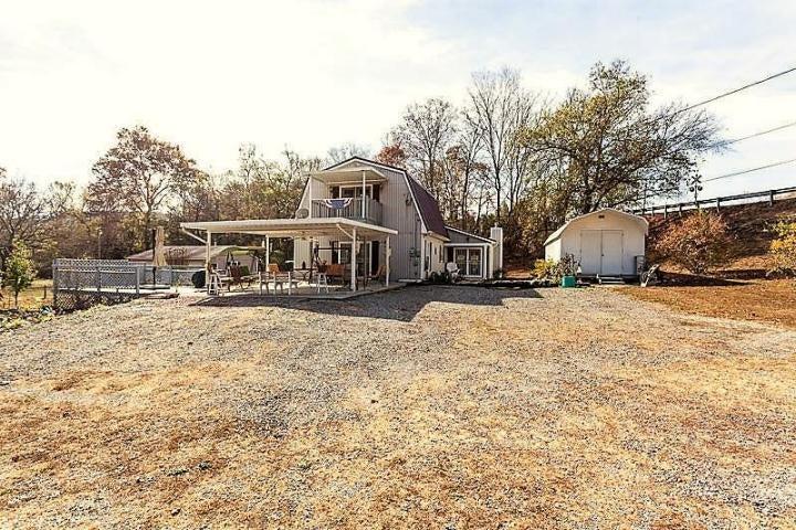 Maison unifamiliale pour l Vente à 102 W Bullrun Valley Drive Heiskell, Tennessee 37754 États-Unis