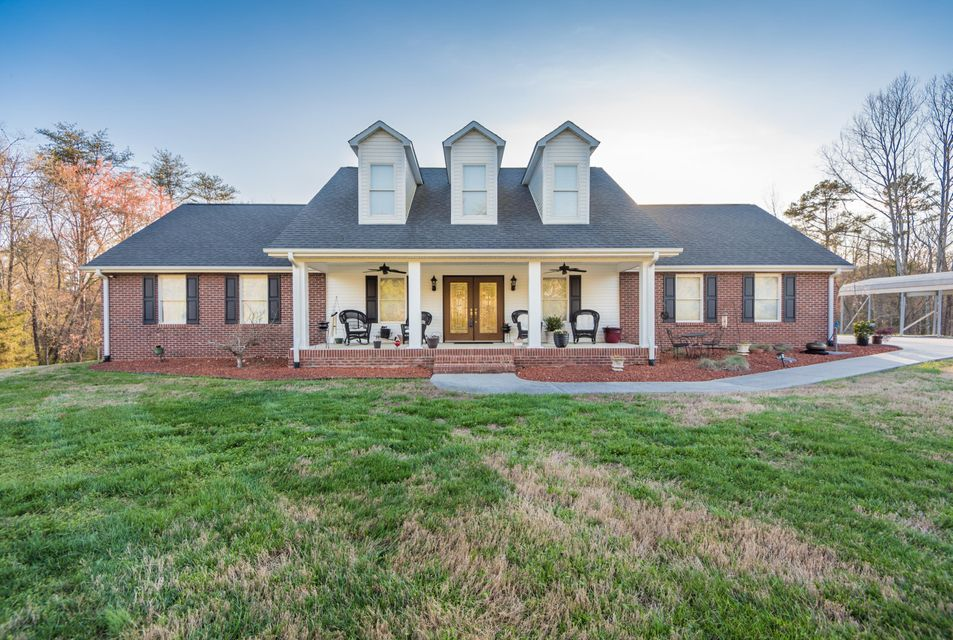 Single Family Home for Sale at 254 Orchard View Road Oliver Springs, Tennessee 37840 United States