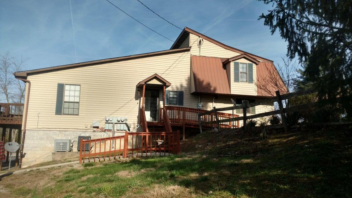 Casa Multifamiliar por un Venta en 1871 Hwy 70e Crossville, Tennessee 38555 Estados Unidos