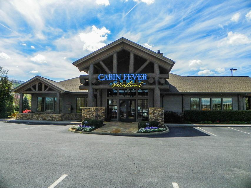 Commercial for Sale at 2519 Sand Pike Boulevard 2519 Sand Pike Boulevard Pigeon Forge, Tennessee 37863 United States