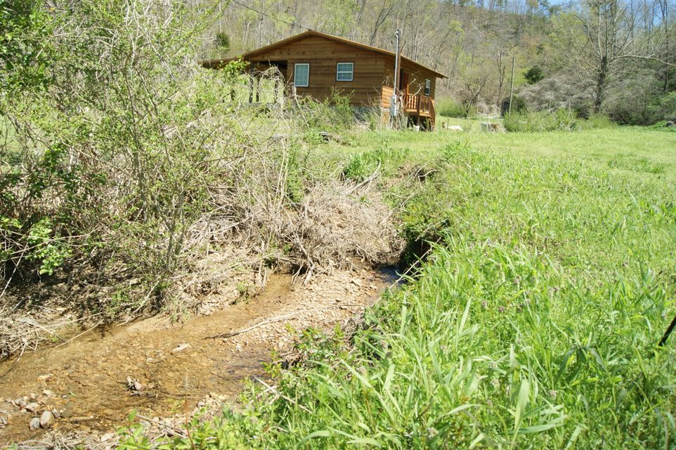 Additional photo for property listing at 7181 Hwy 360 7181 Hwy 360 Tellico Plains, Tennessee 37385 Estados Unidos