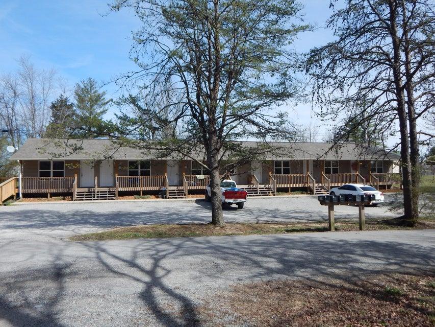 Многосемейный дом для того Продажа на 514 Isaac Street 514 Isaac Street Jamestown, Теннесси 38556 Соединенные Штаты