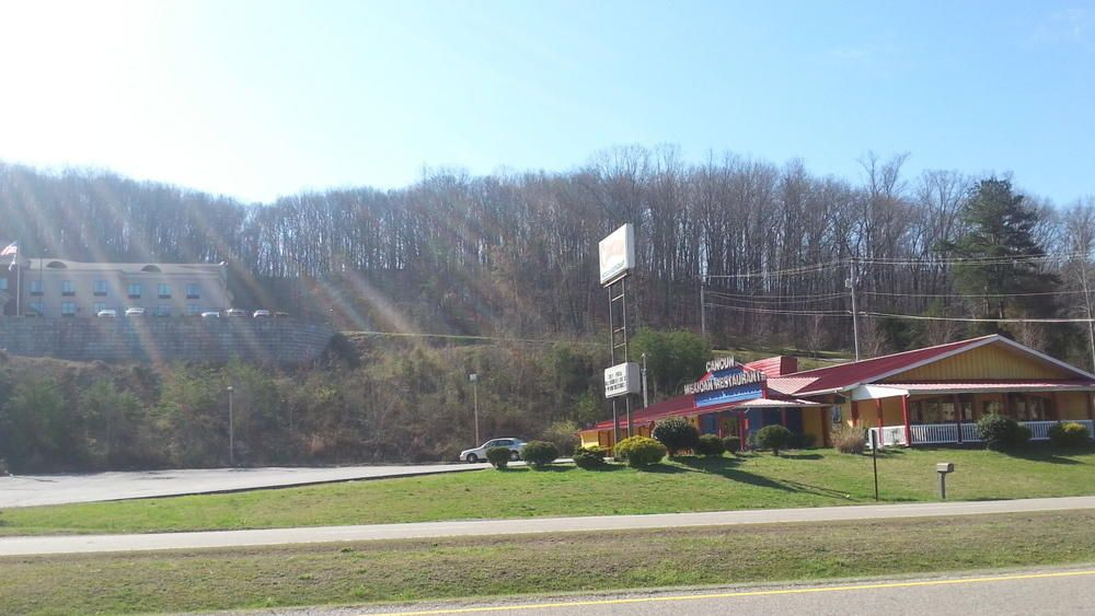 Commercial for Sale at S 1889 S. Roane Street Street Harriman, Tennessee 37748 United States