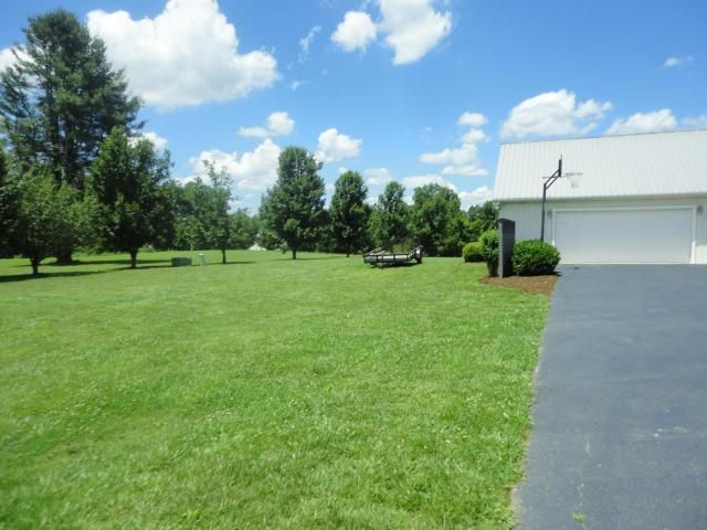 Additional photo for property listing at 143 Amanda Drive  Jamestown, Tennessee 38556 United States