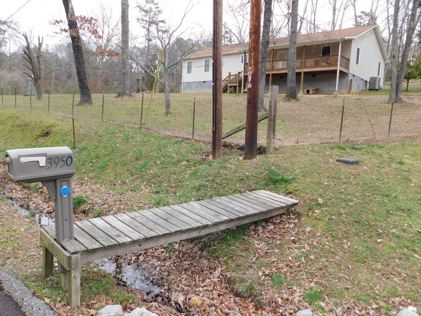 Single Family Home for Sale at 3950-1 State Highway 30 W Decatur, Tennessee 37322 United States