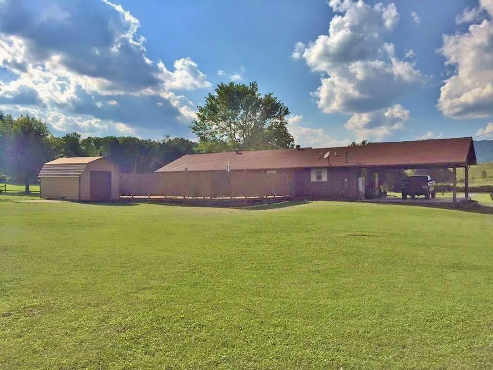 Частный односемейный дом для того Продажа на 557 Providence Road 557 Providence Road Cumberland Gap, Теннесси 37724 Соединенные Штаты