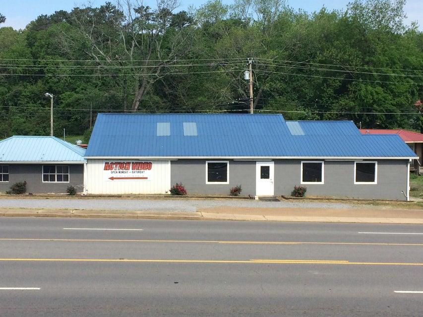 Comercial por un Venta en 6165 Highway 411 6165 Highway 411 Benton, Tennessee 37307 Estados Unidos