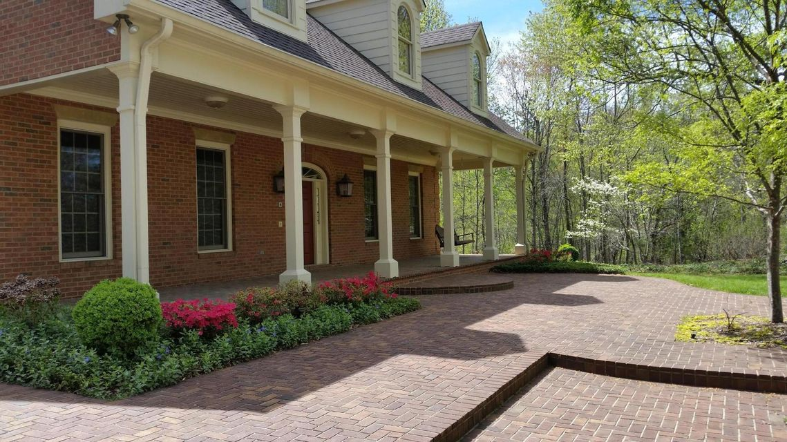 Additional photo for property listing at 1923 Hickory Glen Road 1923 Hickory Glen Road Knoxville, Tennessee 37932 Estados Unidos