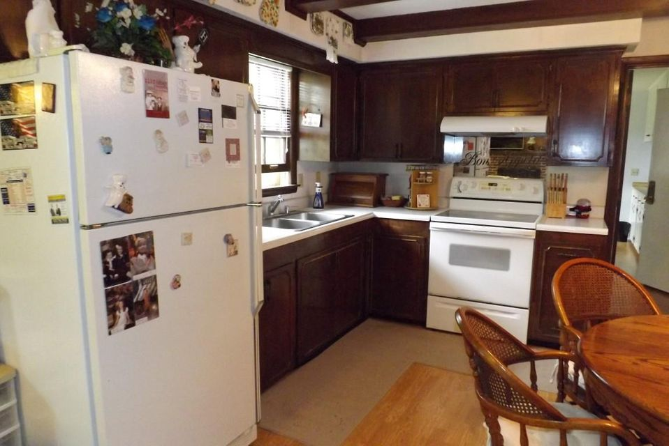 Additional photo for property listing at 246 N Hillcrest Drive 246 N Hillcrest Drive Spring City, Tennessee 37381 United States