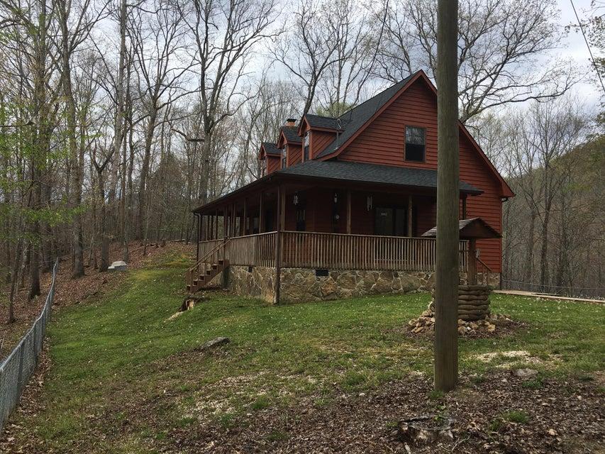 Maison unifamiliale pour l Vente à 8708 Hwy 297 Pioneer, Tennessee 37847 États-Unis