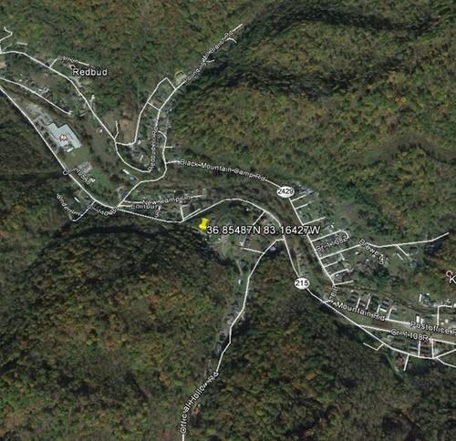 Terrain pour l Vente à 1766 Hwy 215 Evarts, Kentucky 40828 États-Unis