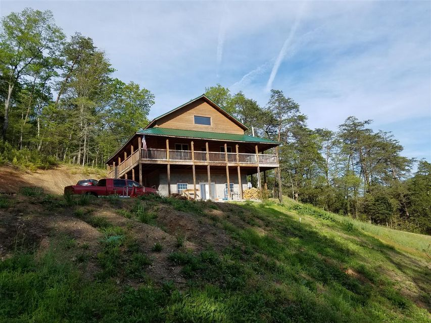 Maison unifamiliale pour l Vente à 6938 War Creek Road Road Thorn Hill, Tennessee 37881 États-Unis