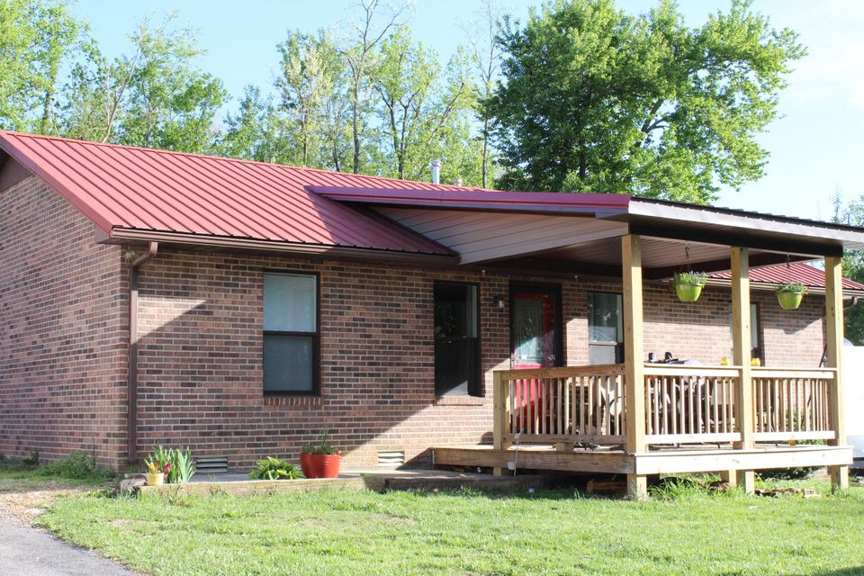 Single Family Home for Sale at 816 S Poplar Street 816 S Poplar Street Monterey, Tennessee 38574 United States
