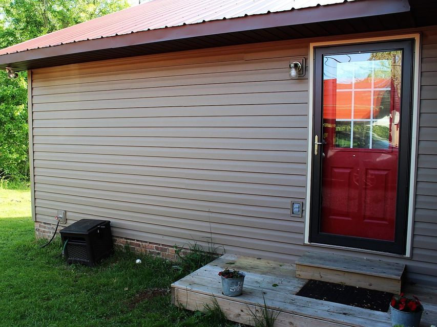 Additional photo for property listing at 816 S Poplar Street 816 S Poplar Street Monterey, Tennessee 38574 United States