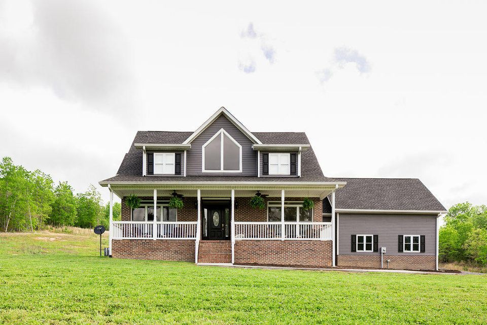Maison unifamiliale pour l Vente à 1046 County Road 82 Athens, Tennessee 37303 États-Unis