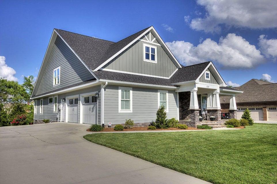 Частный односемейный дом для того Продажа на 1722 Ansley Drive Alcoa, Теннесси 37701 Соединенные Штаты