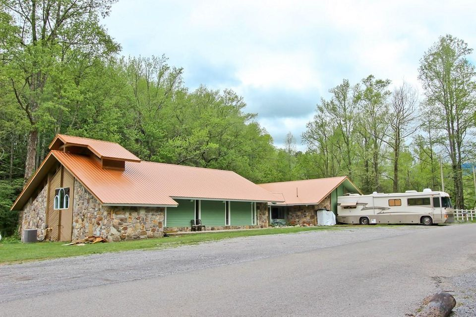 Single Family Home for Sale at 4304 Liberty Road 4304 Liberty Road Cosby, Tennessee 37722 United States