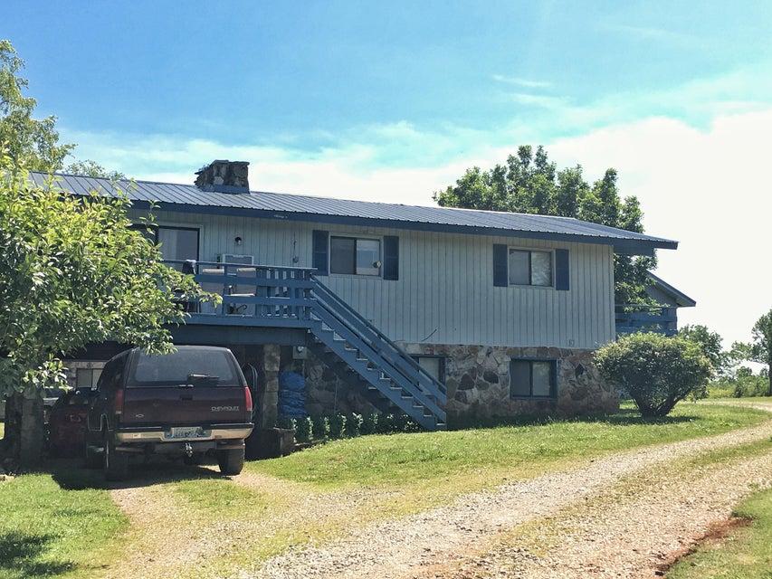 Maison avec plusieurs logements pour l Vente à 194 Setterberg Road Philadelphia, Tennessee 37846 États-Unis