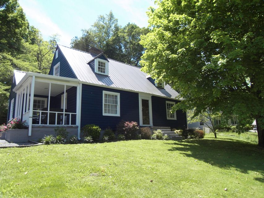 Single Family Home for Sale at 213 Westwood Drive McMinnville, Tennessee 37110 United States