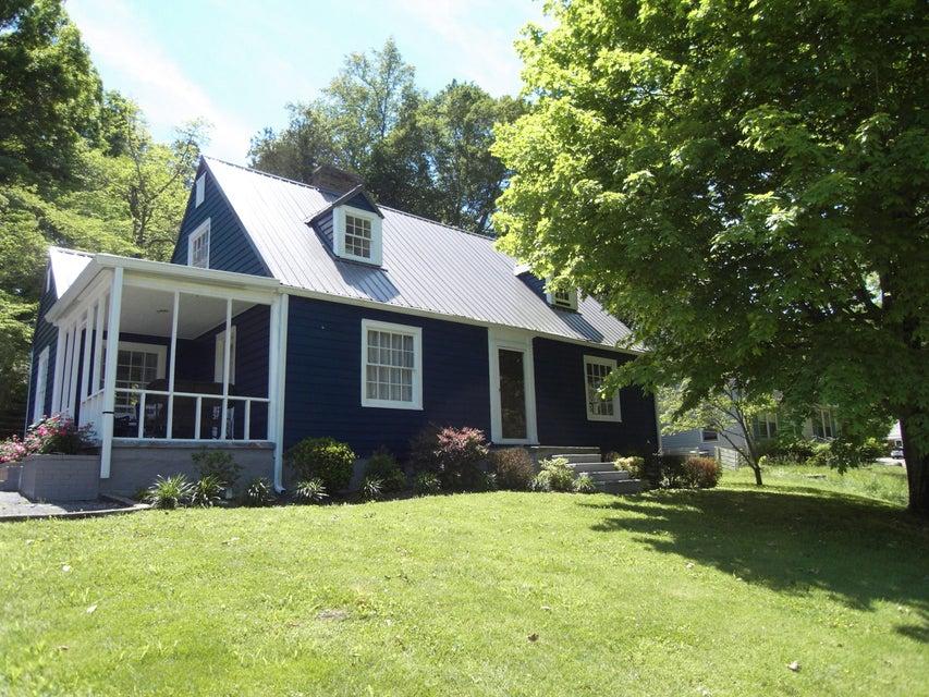 Частный односемейный дом для того Продажа на 213 Westwood Drive McMinnville, Теннесси 37110 Соединенные Штаты