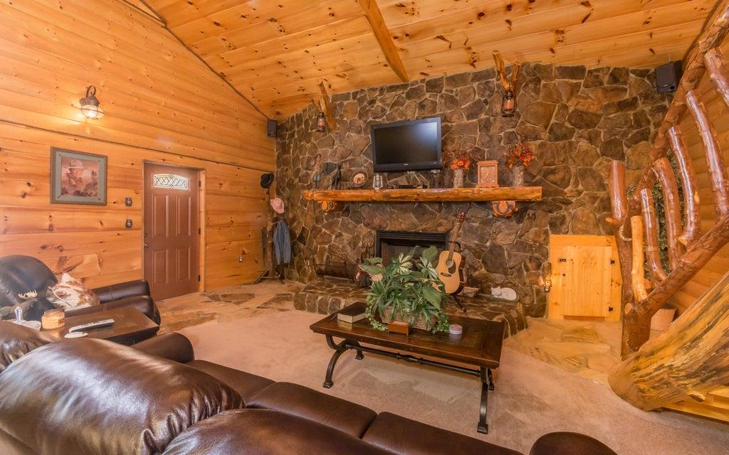 Additional photo for property listing at 1034 Swannsylvania Road 1034 Swannsylvania Road Dandridge, Теннесси 37725 Соединенные Штаты