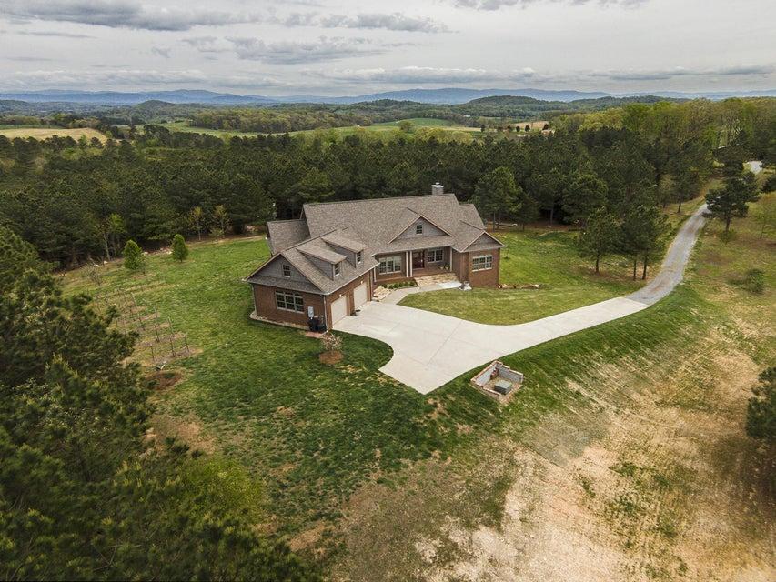 Частный односемейный дом для того Продажа на 1410 Ward Road Loudon, Теннесси 37774 Соединенные Штаты