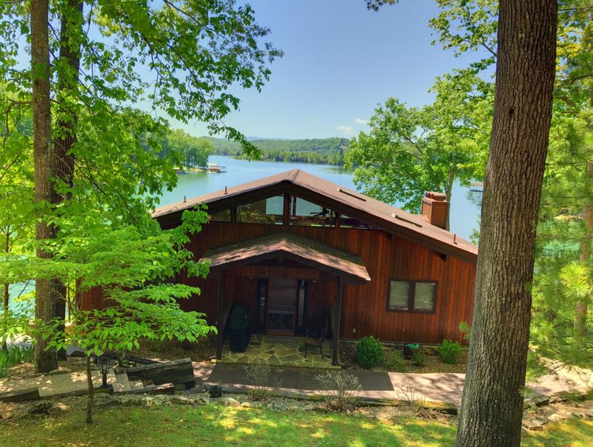 Lake front home for sale at Deerfield Resort