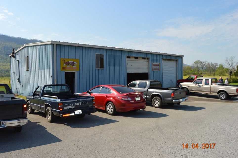 Commercial for Sale at 574 County Road 475 Etowah, Tennessee 37331 United States