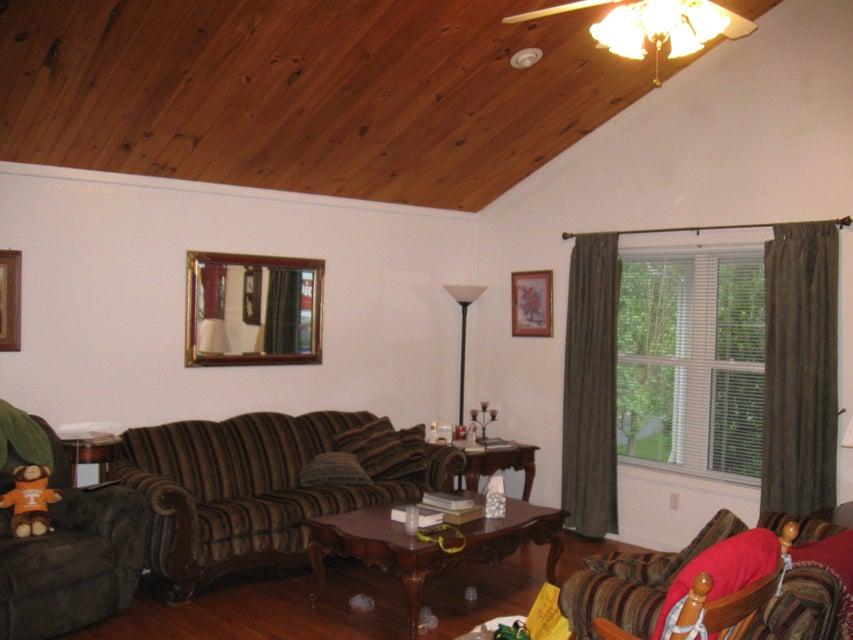 独户住宅 为 销售 在 1059 Pine Ridge Lane 1059 Pine Ridge Lane Clarkrange, 田纳西州 38553 美国