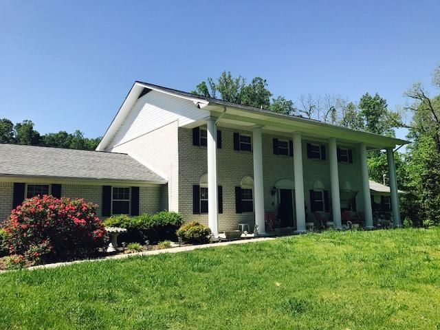 Maison unifamiliale pour l Vente à 3324 Hickory Valley Road 3324 Hickory Valley Road Maynardville, Tennessee 37807 États-Unis