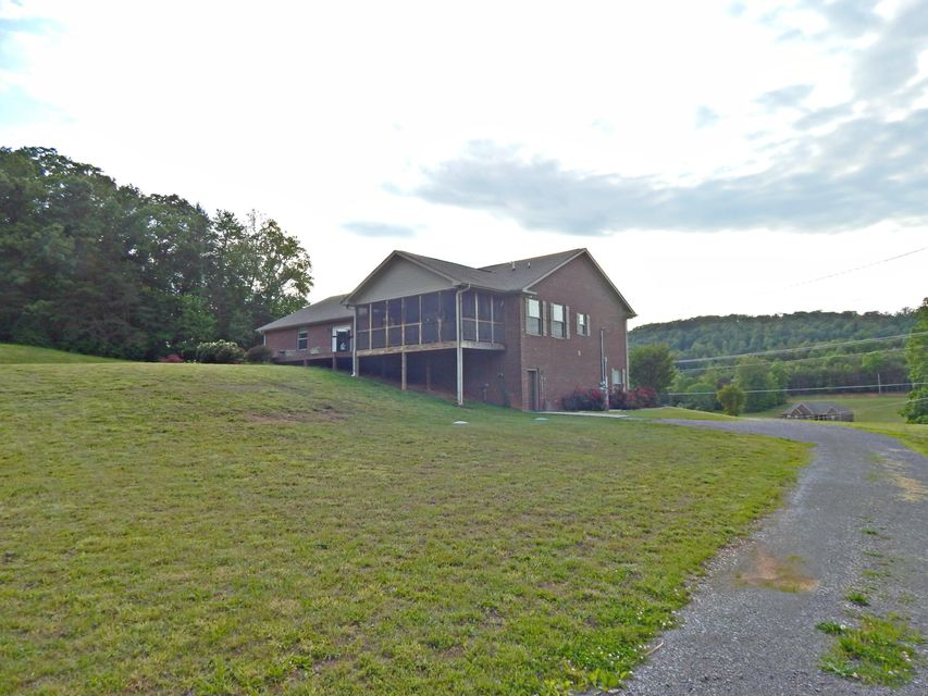 Additional photo for property listing at 1013 Blockhouse Valley Road 1013 Blockhouse Valley Road Clinton, 田纳西州 37716 美国