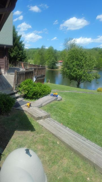 Single Family Home for Sale at 212 Lakeview Drive Oneida, Tennessee 37841 United States
