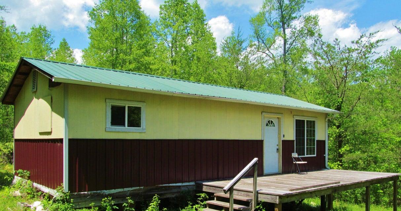 Maison unifamiliale pour l Vente à 506 Shady Grove Road Lancing, Tennessee 37770 États-Unis