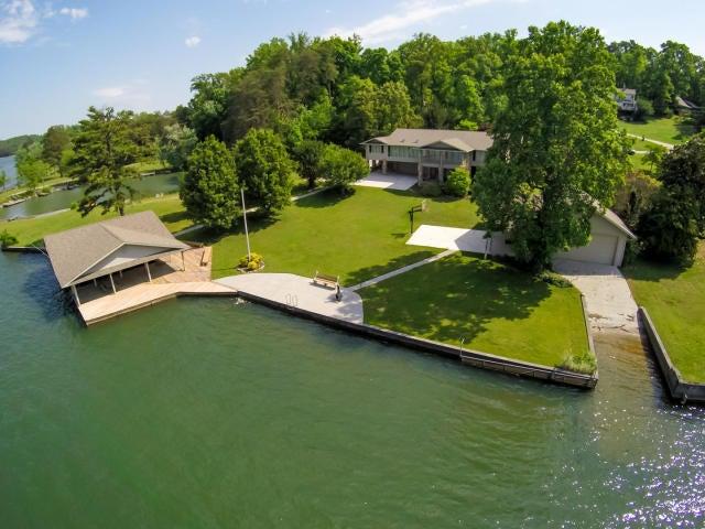 Частный односемейный дом для того Продажа на 1141 S Sequoyah Drive Friendsville, Теннесси 37737 Соединенные Штаты