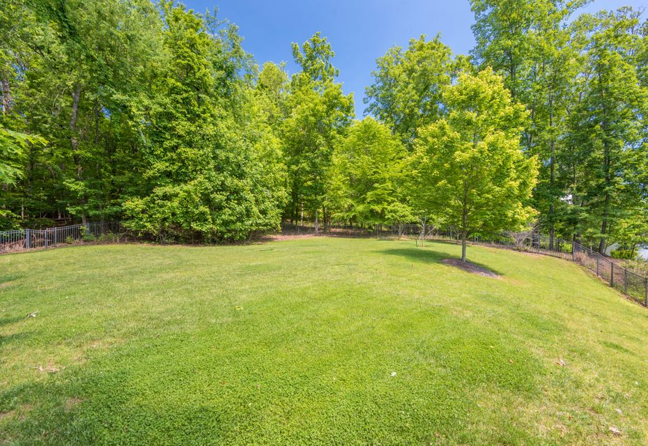 Additional photo for property listing at 186 Lake Crest Drive 186 Lake Crest Drive Lenoir City, Tennessee 37772 United States