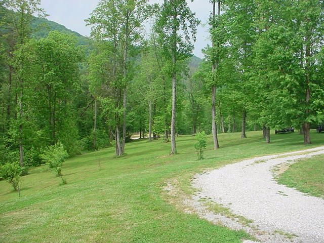Additional photo for property listing at 654 Redcut Road 654 Redcut Road Pioneer, Tennessee 37847 États-Unis