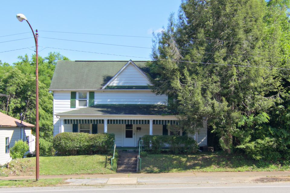 Additional photo for property listing at 808 W Broadway Street  Lenoir City, Tennessee 37771 United States
