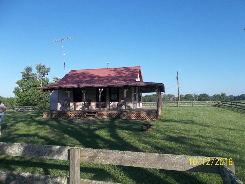 Casa Unifamiliar por un Venta en 596a Island Ford Road Lancing, Tennessee 37770 Estados Unidos