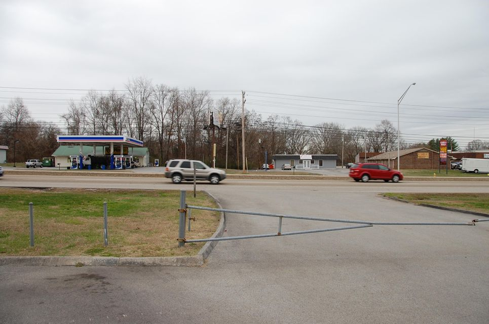 Additional photo for property listing at 524 Highway 321  Lenoir City, Tennessee 37771 États-Unis
