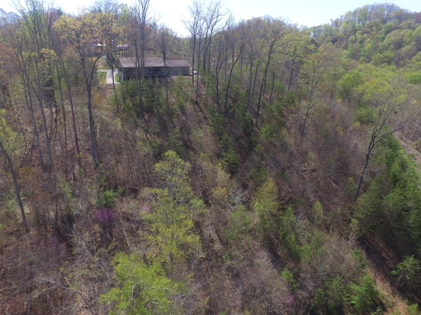 Additional photo for property listing at 571 Mountain Shores Road  New Tazewell, Теннесси 37825 Соединенные Штаты