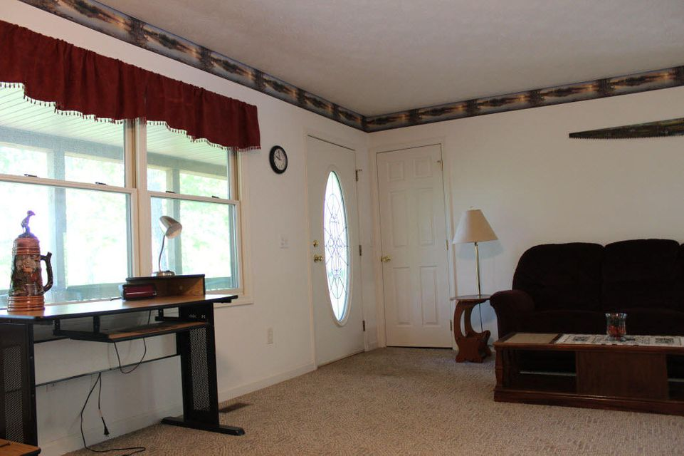 Additional photo for property listing at 571 Mountain Shores Road  New Tazewell, Tennessee 37825 Estados Unidos