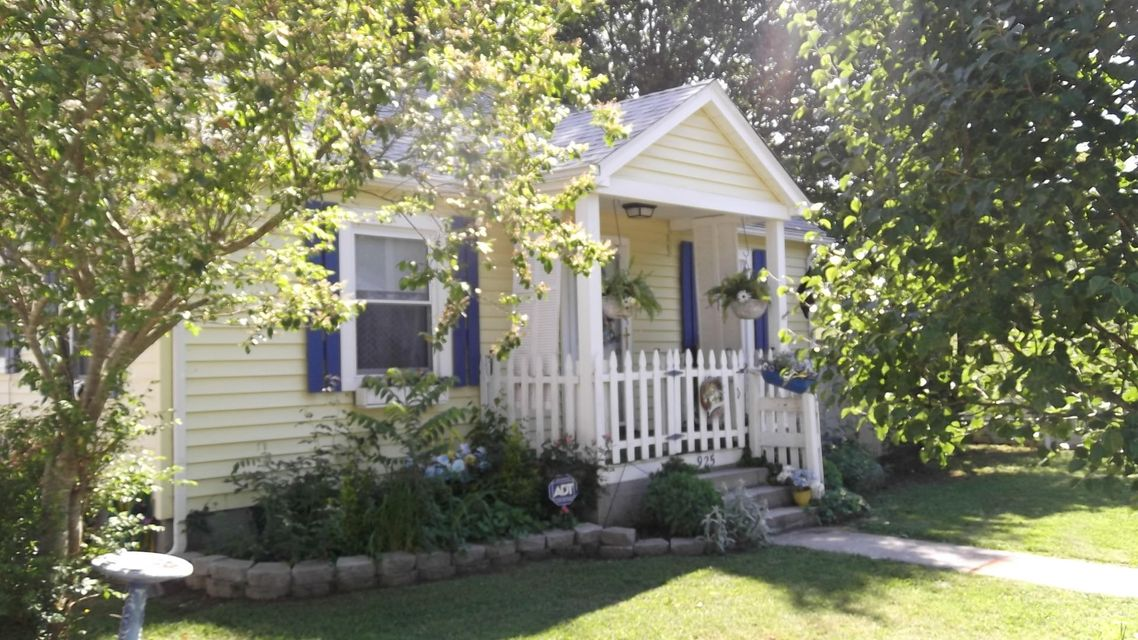 Additional photo for property listing at 925 W Mountcastle Street  Jefferson City, Tennessee 37760 États-Unis