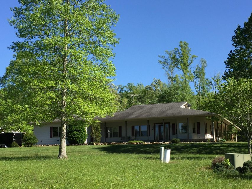 Single Family Home for Sale at 630 Jonas Holloway Lane Grandview, Tennessee 37337 United States
